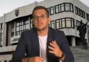 Igor Melicher pred budovou NRSR